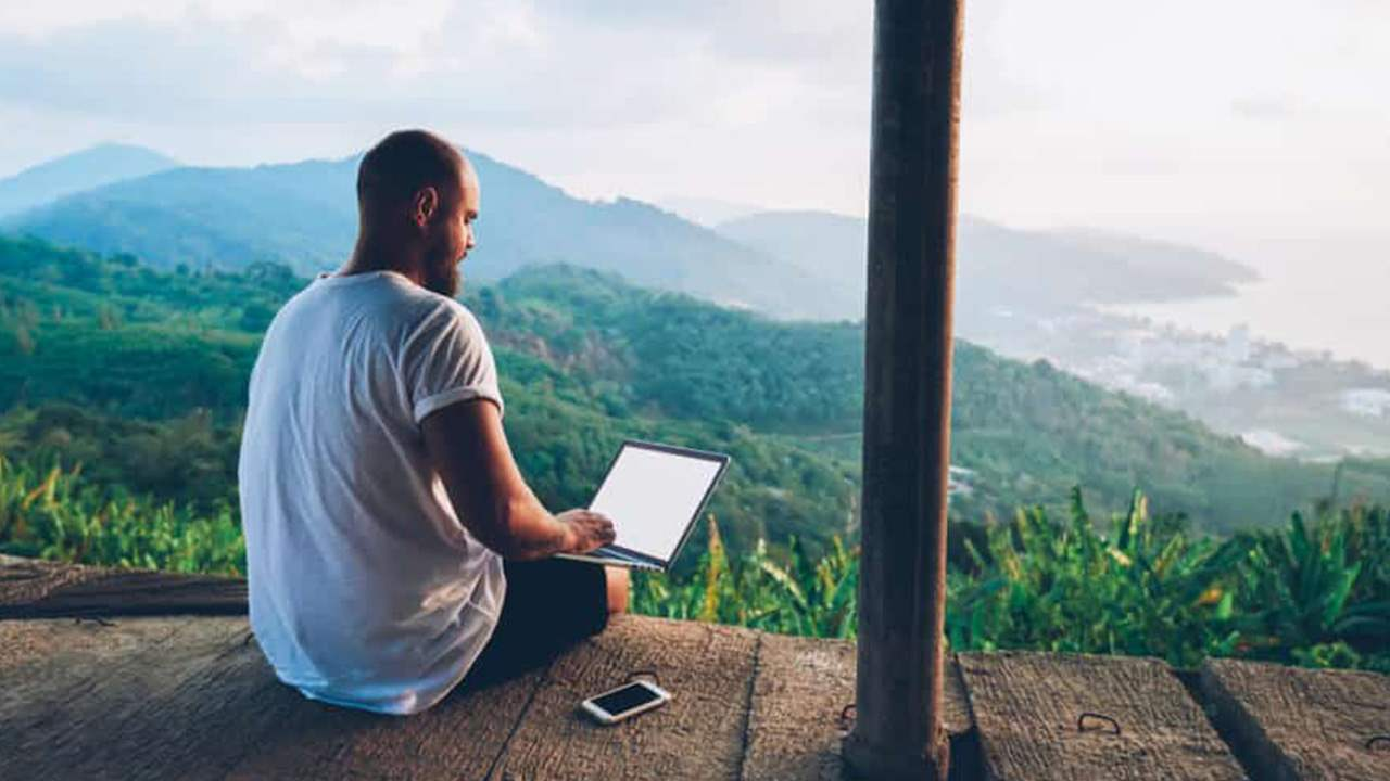 Essential tips to managing remote workers in small businesses
